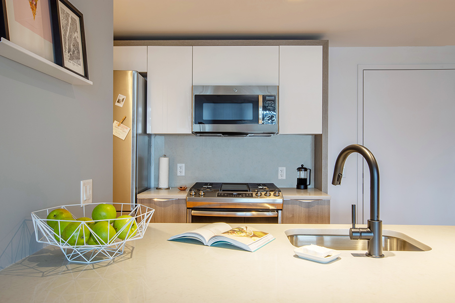 OTTO Greenpoint Luxury Apartments Kitchen