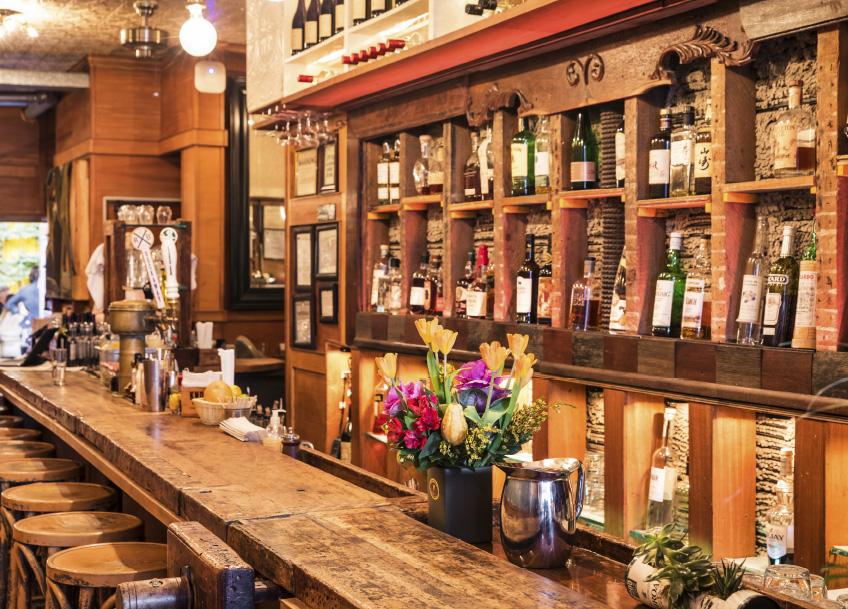 OTTO Greenpoint Luxury Rental Apartments Bar